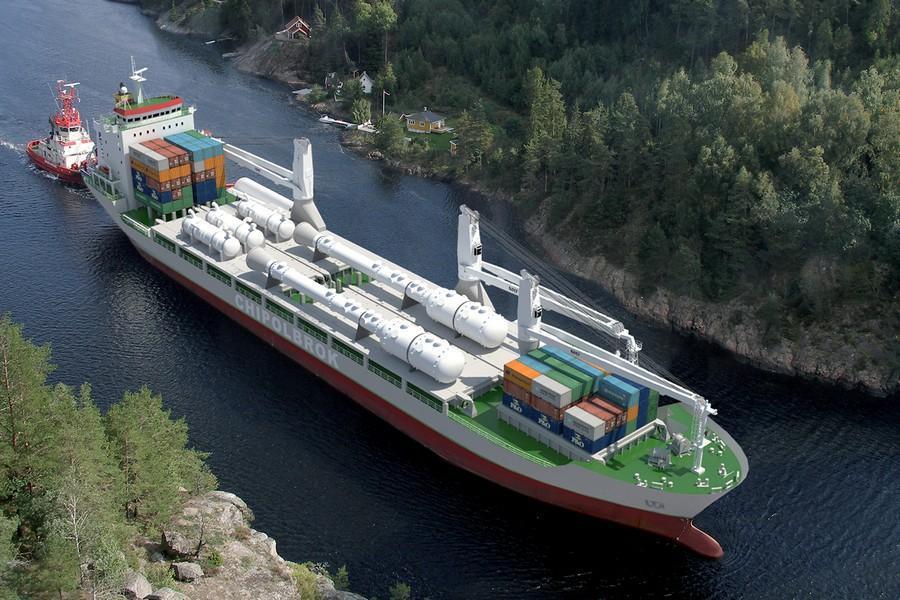 HL450 Chipolbrok vessel 1